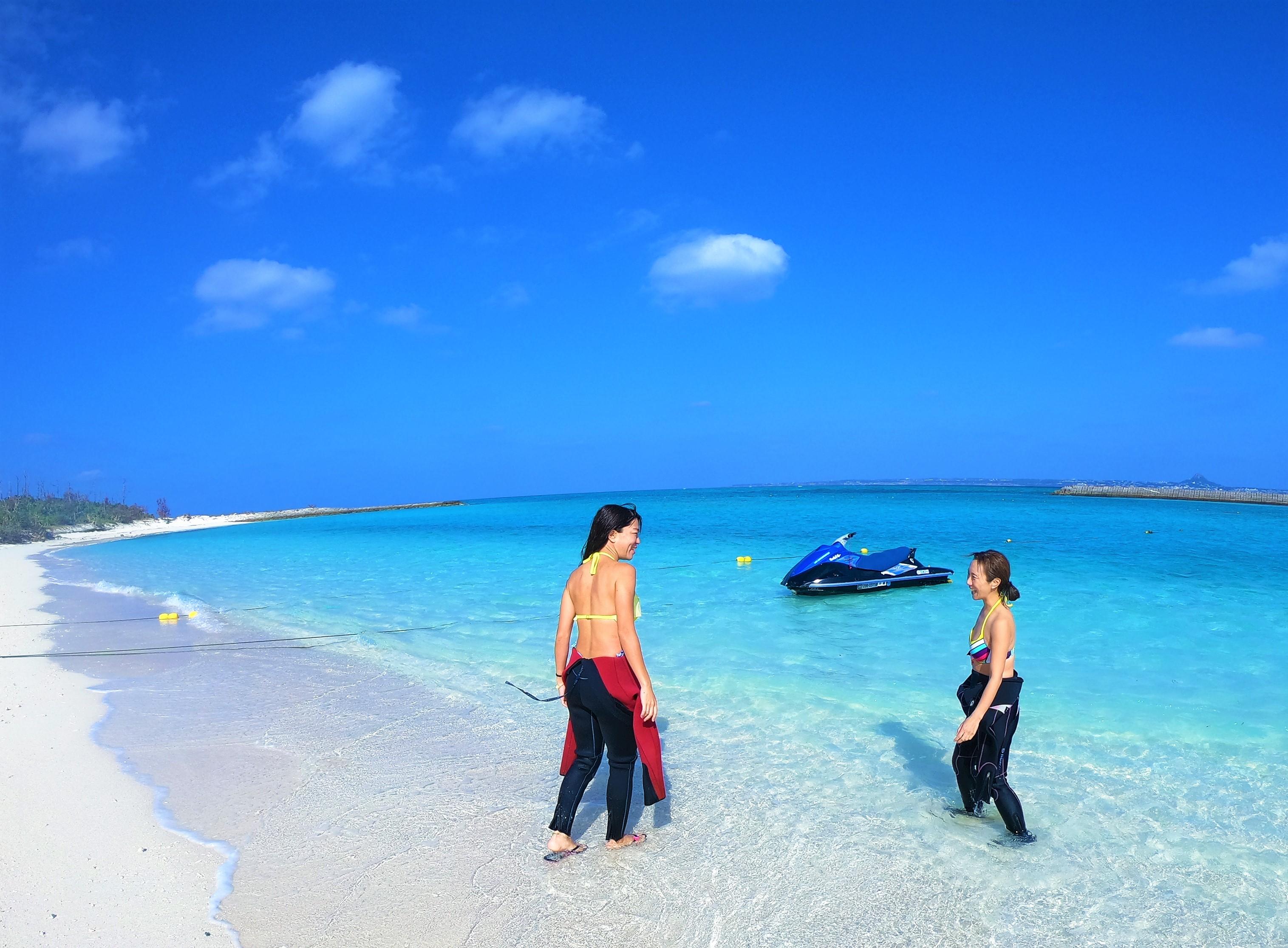 水納島、瀬底島