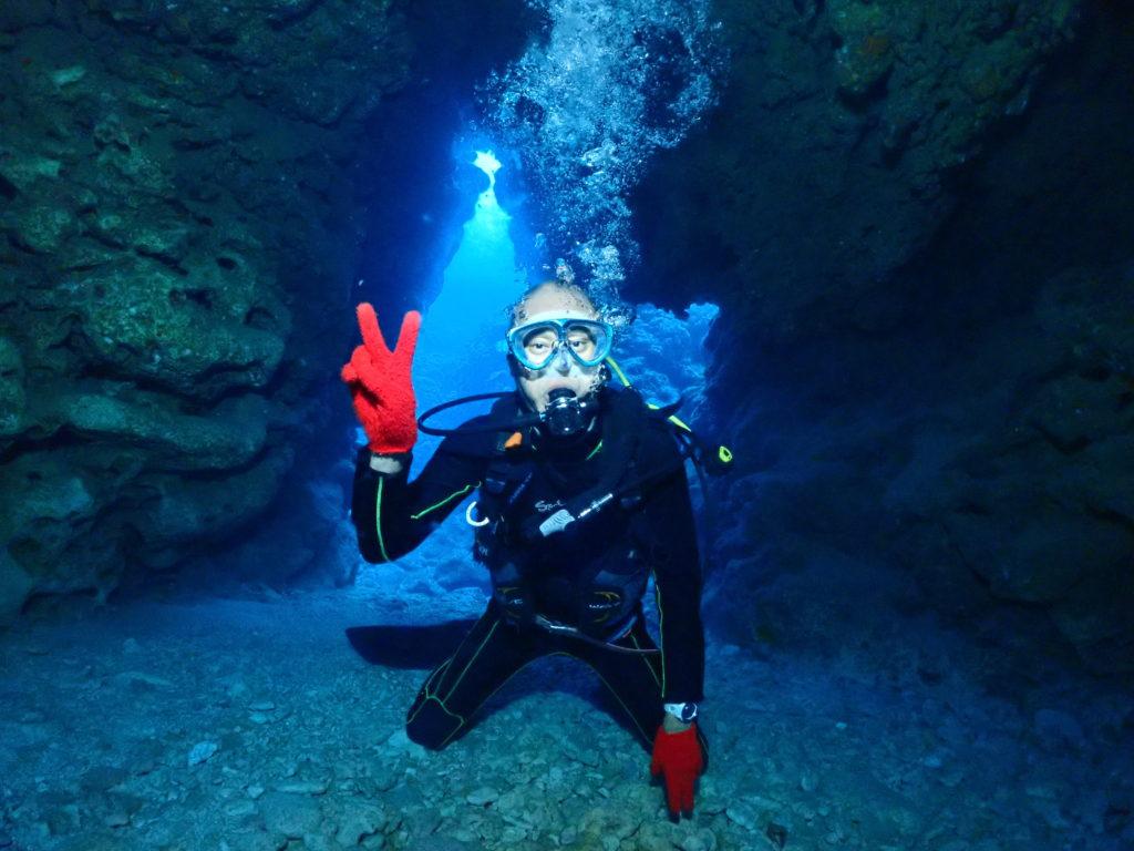 本島南部洞窟ダイビング
